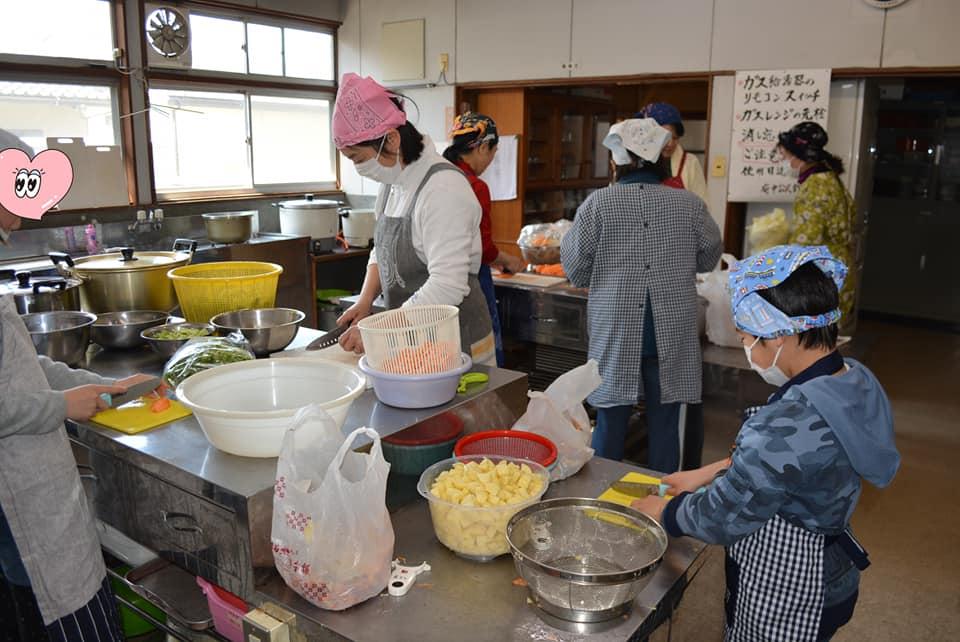 ボナペティ 久留米 こども食堂 お料理中